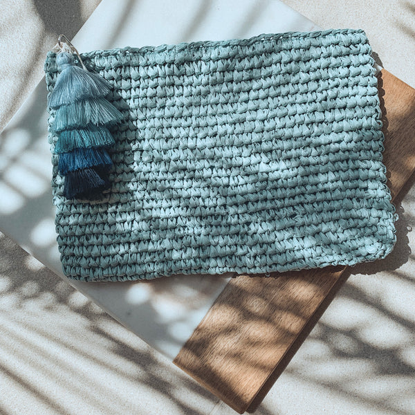 Straw Beach Clutch - With Cotton Tassel