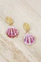 Load image into Gallery viewer, Hot Spot Pinky Shell Gold Earrings