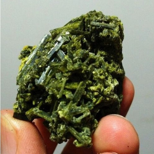 61g Natural Green Tourmaline Crystal Rough Stone cluster Specimen
