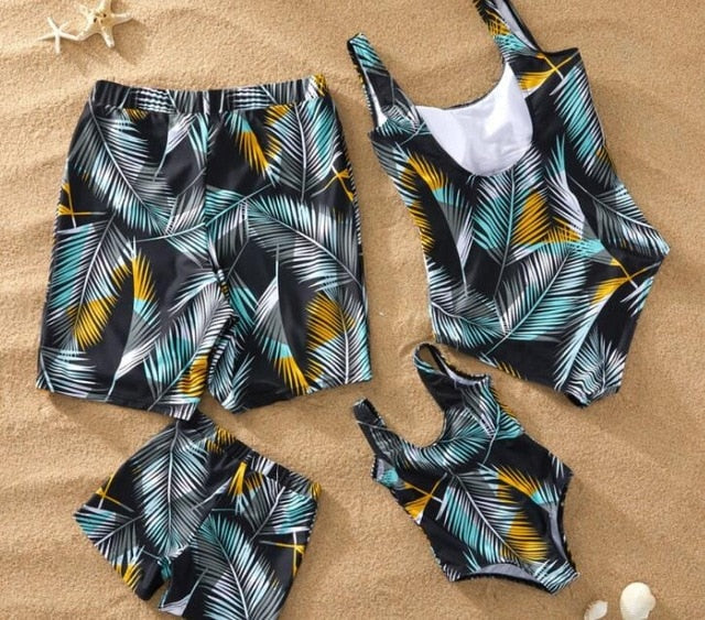 Leaf Swimsuit Family Matching Outfits Look Mother Daughter Swimwear Mommy and Me Bikini Dress Clothes Father Son Swimming Shorts