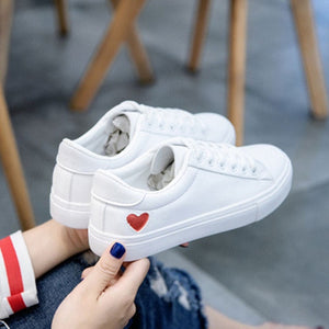 Women Canvas Shoes Women Casual Flats Heart Lace-up Fashion Ladies Spring/Autumn Shoes designer White Sneakers EUR Size 36-42