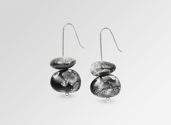 EARTH TEMPLE EARRINGS - Black Swirl