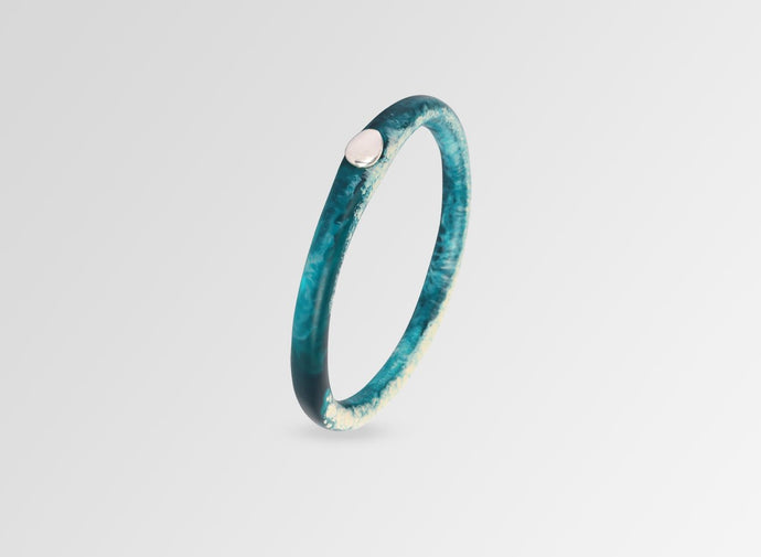 SILVER ROUND ROCK WISHBONE BANGLE - Moody Blue