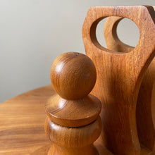 Load image into Gallery viewer, Vintage Wooden Salt and Pepper Mill Set