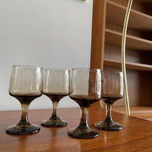 Load image into Gallery viewer, Set of 4 Smoked Wine Glasses