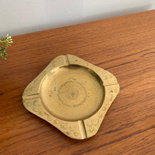 Load image into Gallery viewer, Vintage Brass Trinket Dish / Catchall