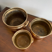 Load image into Gallery viewer, Set of 3 Vintage Brass Planter Pots