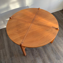 Load image into Gallery viewer, Vintage Solid Teak Round Coffee Table