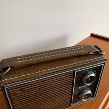 Load image into Gallery viewer, Vintage Strauss Radio
