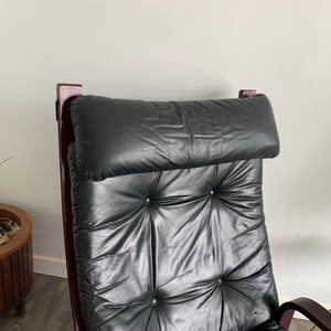 Siesta Style Lounge Chair and Ottoman