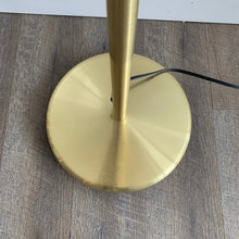 Load image into Gallery viewer, Vintage Brass Floor Lamp