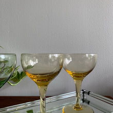 Load image into Gallery viewer, Set of 4 Vintage Coupe Glasses