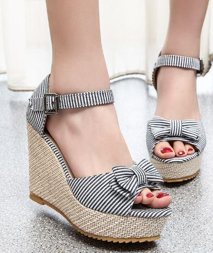 .Blue Striped Wedge