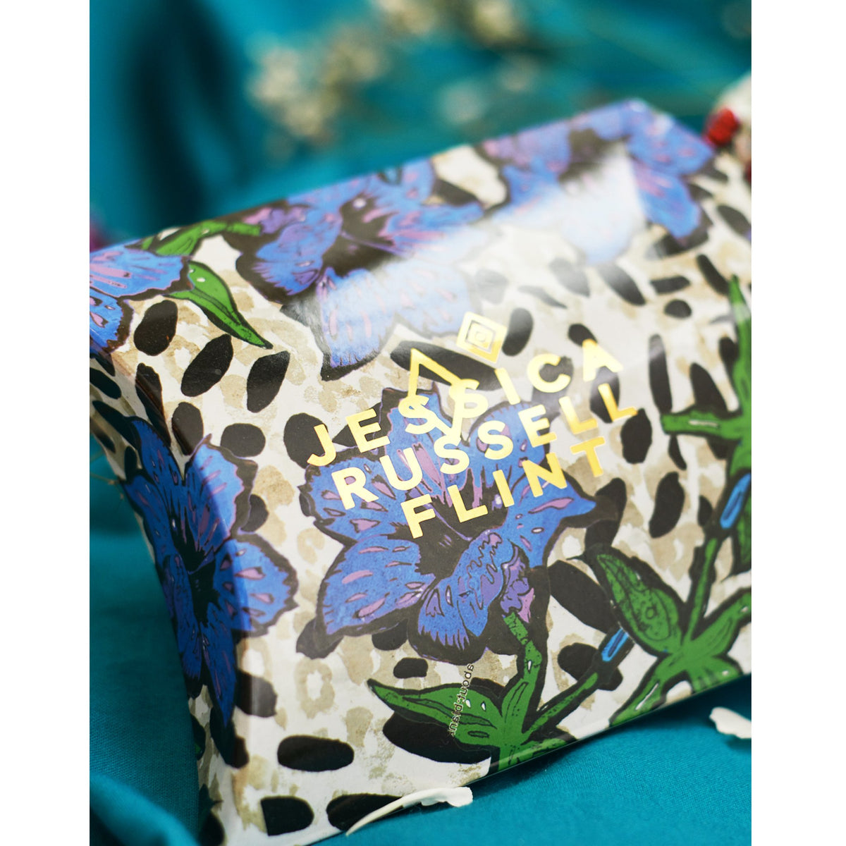 Silk Alphabet Eye Mask - P for Perfume