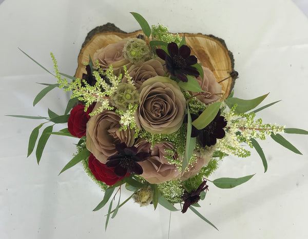 Amnesia Rose bouquet - Winnipeg Flower Delivery by Broadway Florists