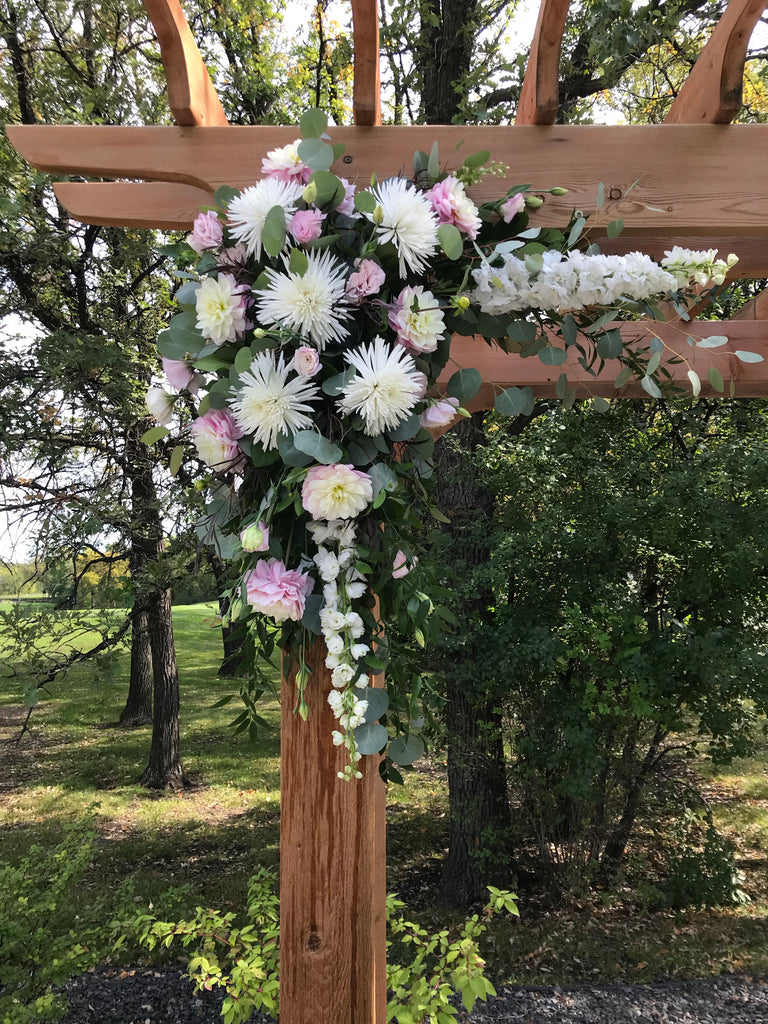 Archway Decorations - Winnipeg Flower Delivery by Broadway Florists