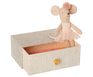 Maileg Dancing Mouse in Daybed Little Sister Mouse - BouChic