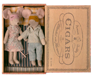 Maileg Mum & Dad Mice in Cigarbox - BouChic