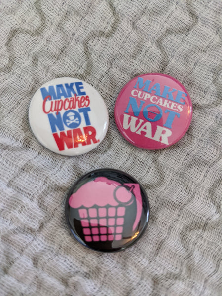 Make Cupcakes Not War set of 3 pins/buttons Johnny Cupcakes