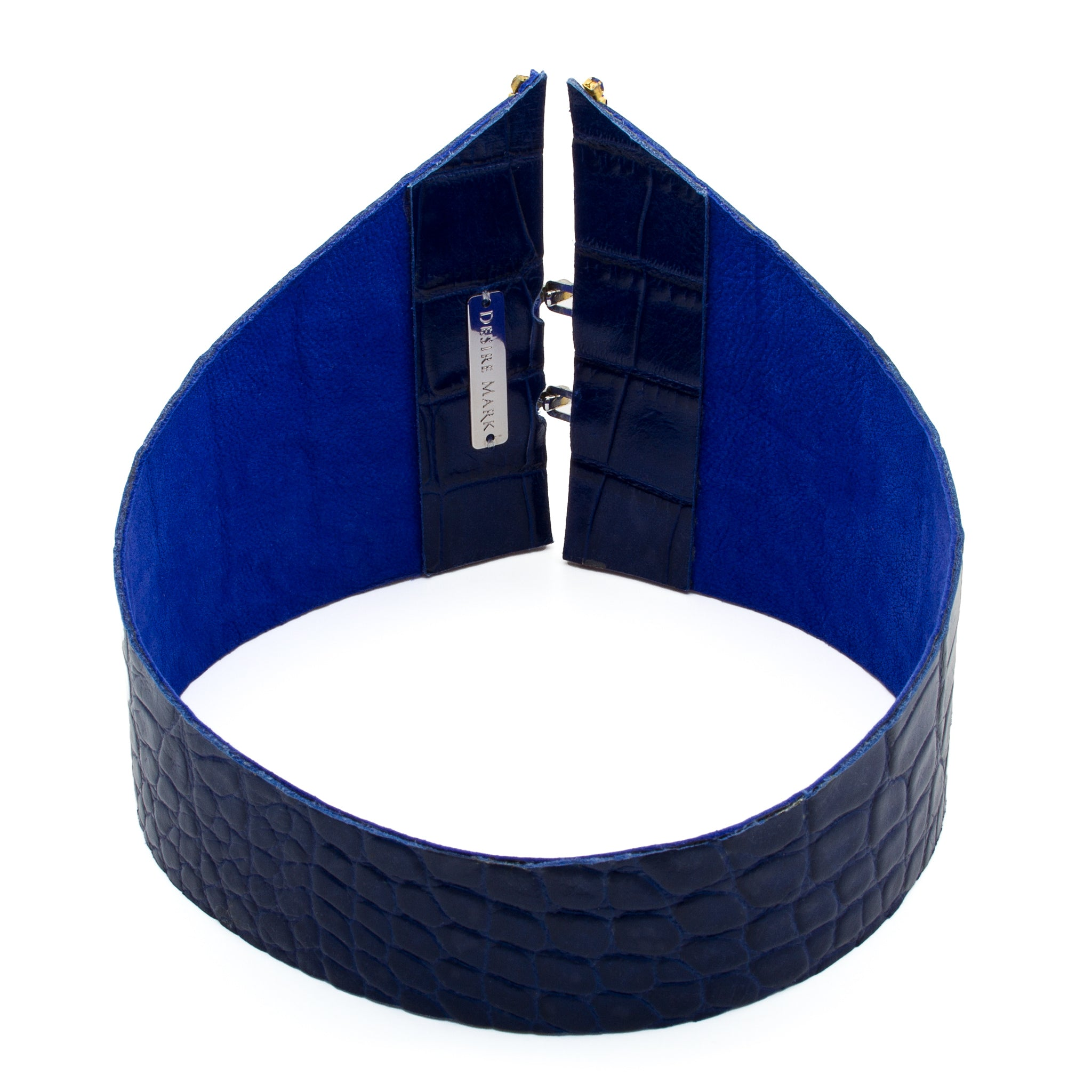 'Blue Collar' Chocker