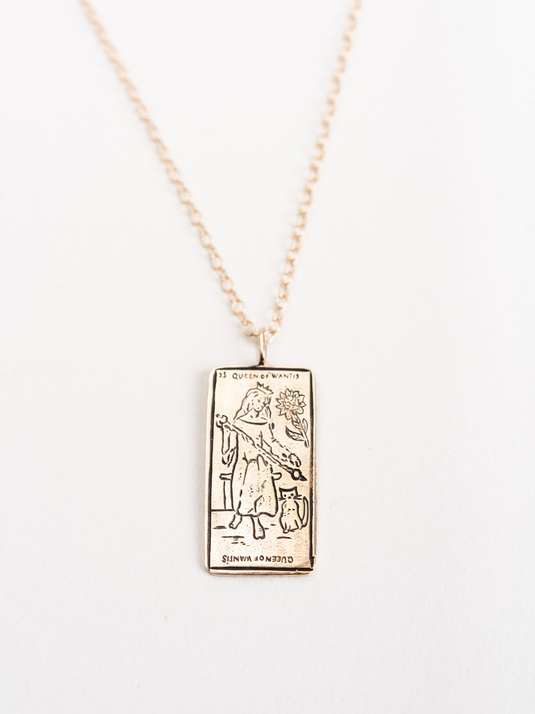 tarot card pendant - queen of wands