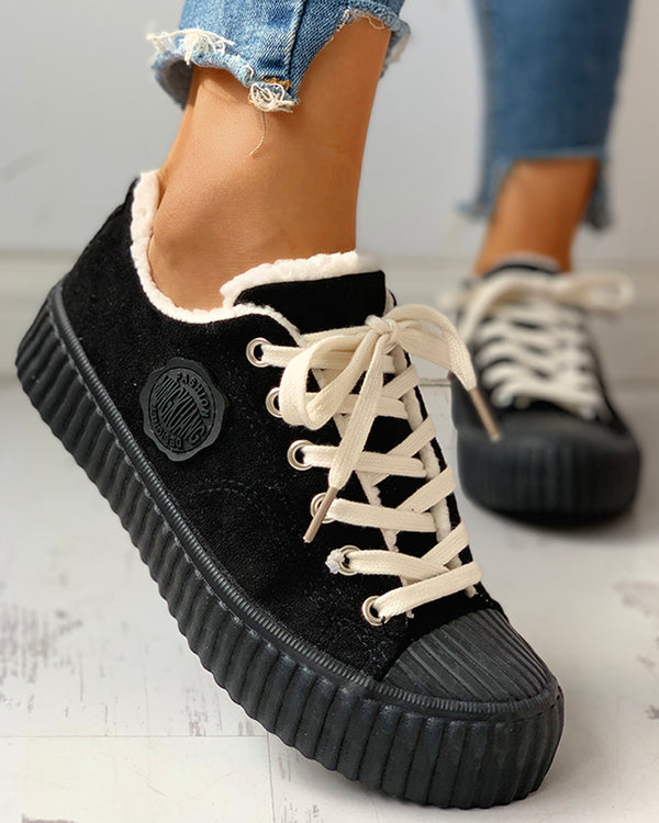 Colorblock Eyelet Lace-Up Casual Sneakers