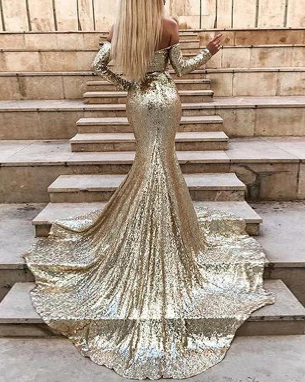 Sweetheart Neck Sequined Court Train Dress