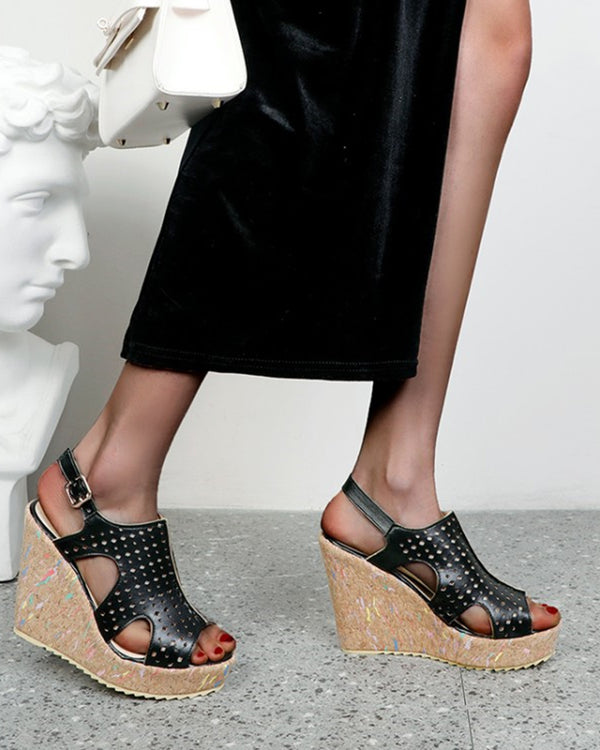 Solid PU Peep-toe Contrast Wedge Shoes