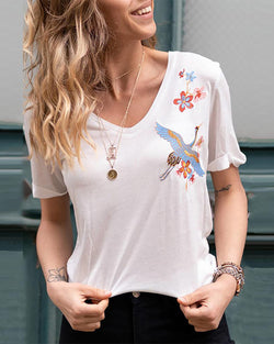 V-neck Embroidered Short Sleeved Slim T-shirt