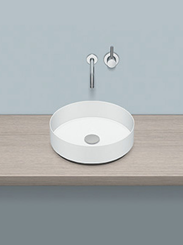Sit-on washbasin, round
