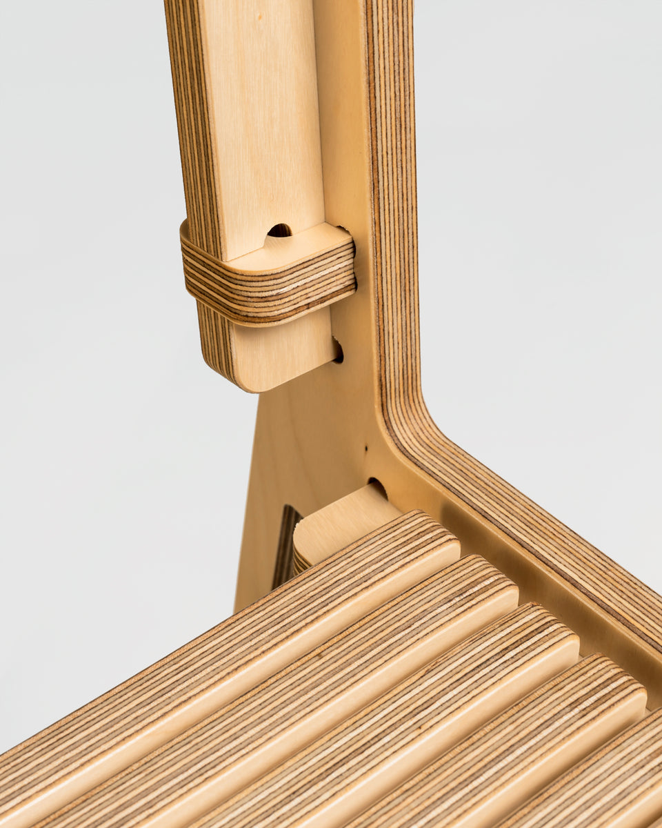 SLIDE #1	| Naked chair - detail