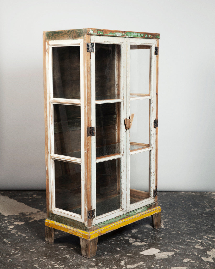 rE #2 | Glass doors cabinet