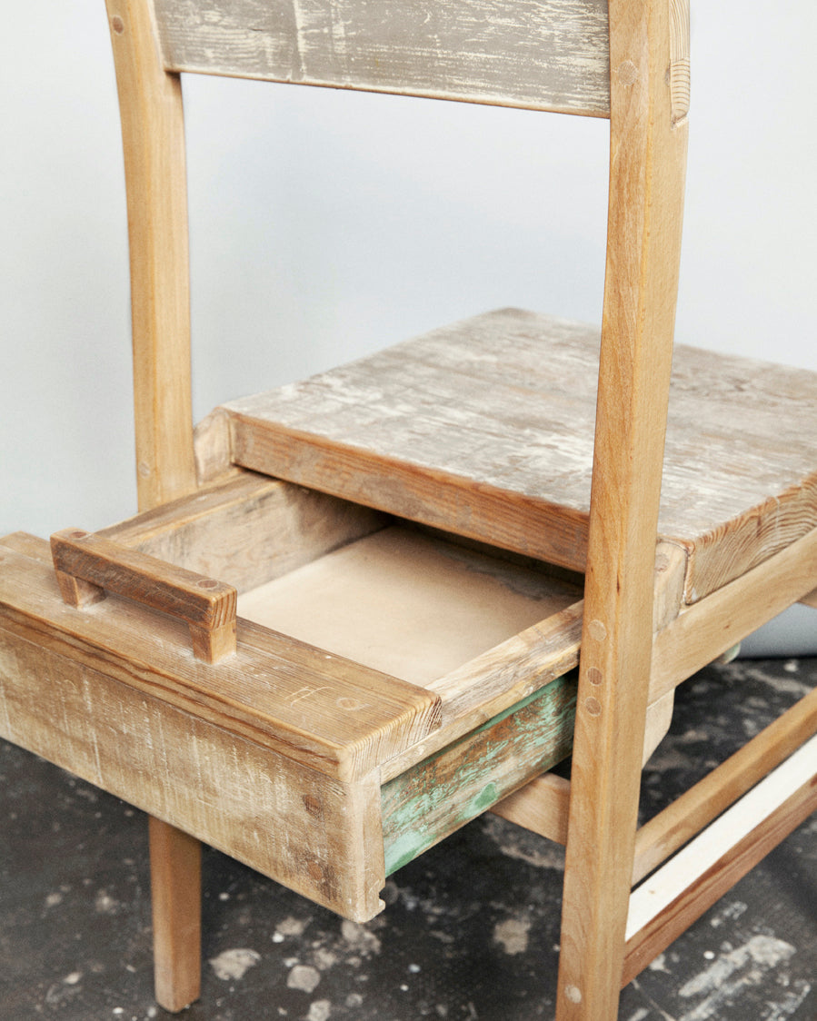 rE #5 | Chair with drawer