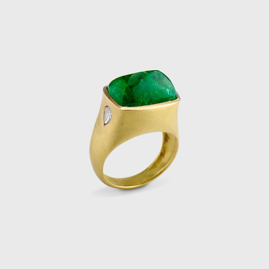 Aaravi Emerald and Diamond Ring