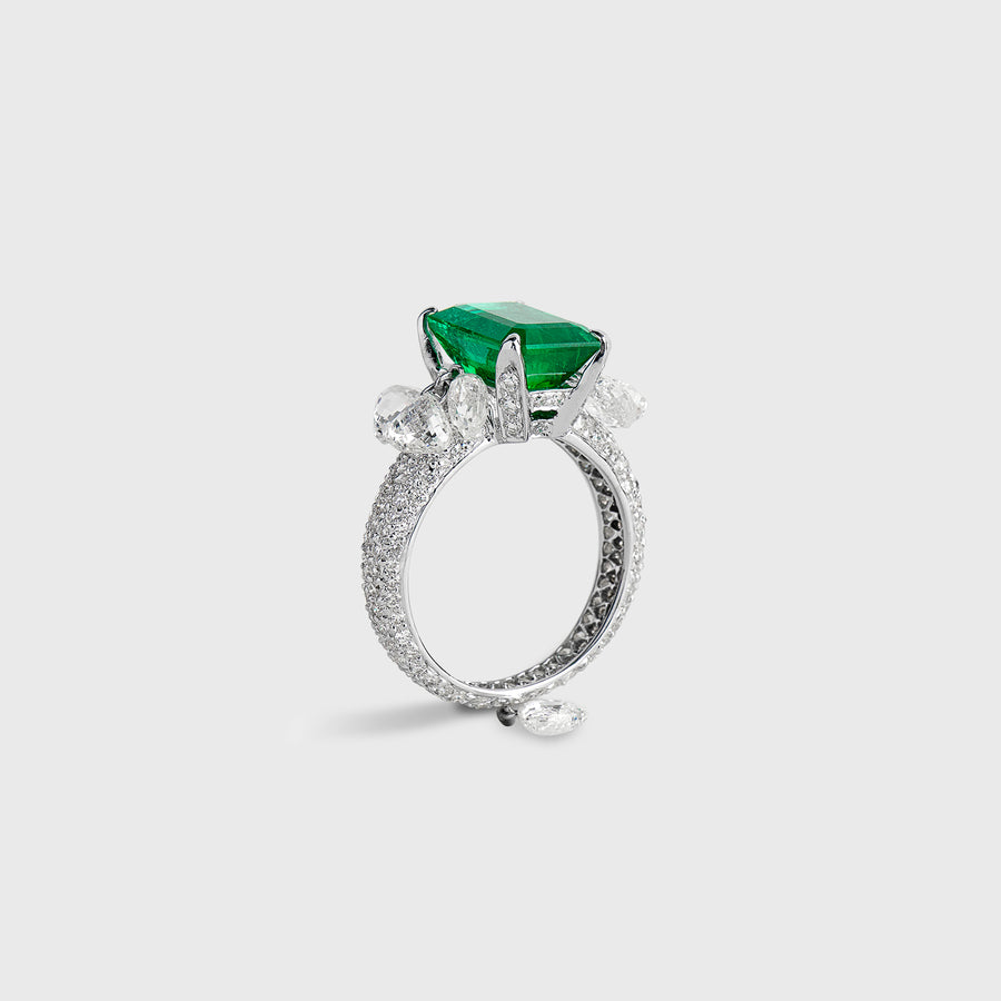 Juhi Emerald Ring