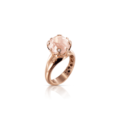 Rose gold ring with rose quartz and diamonds