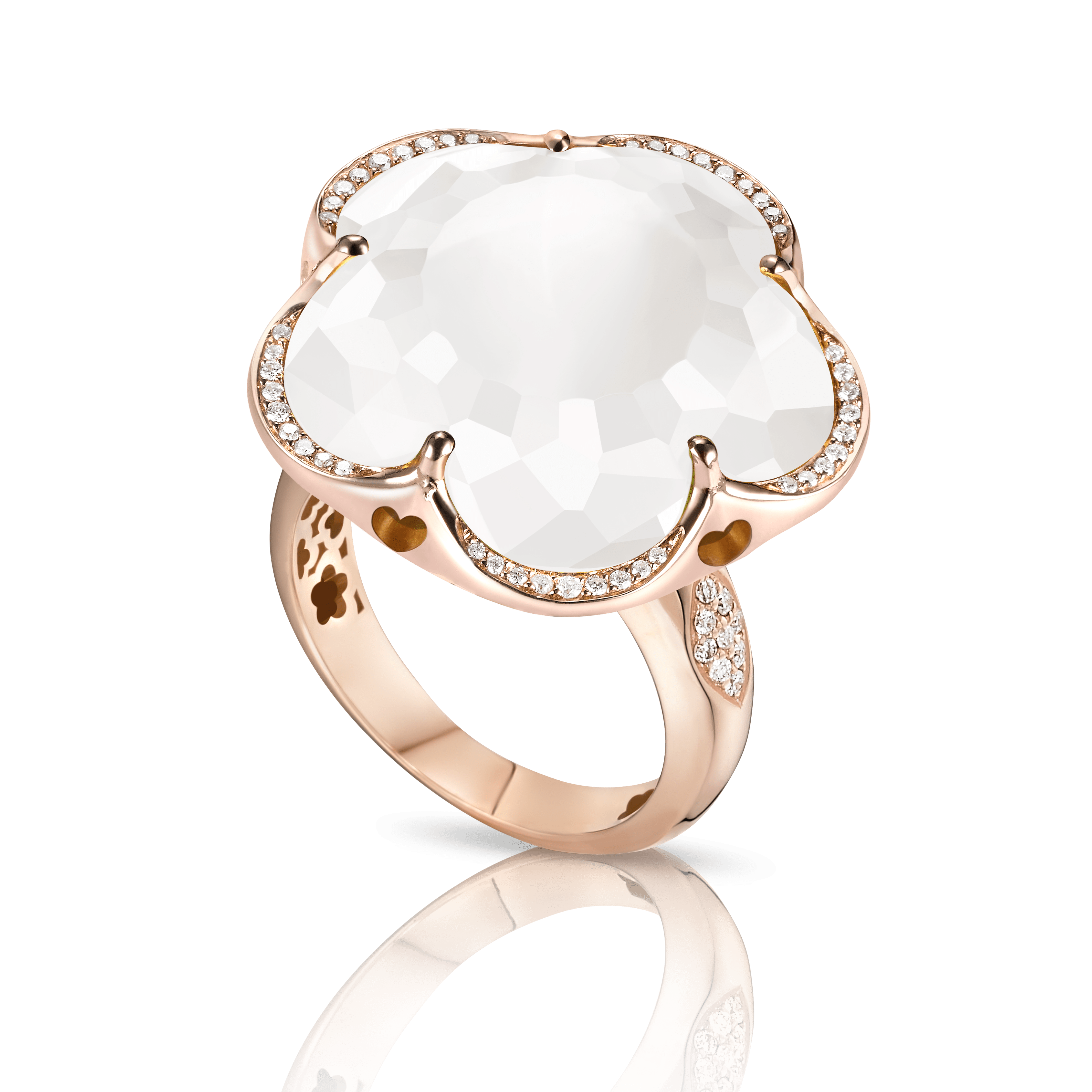 Rose gold ring with  milky quartz and diamonds