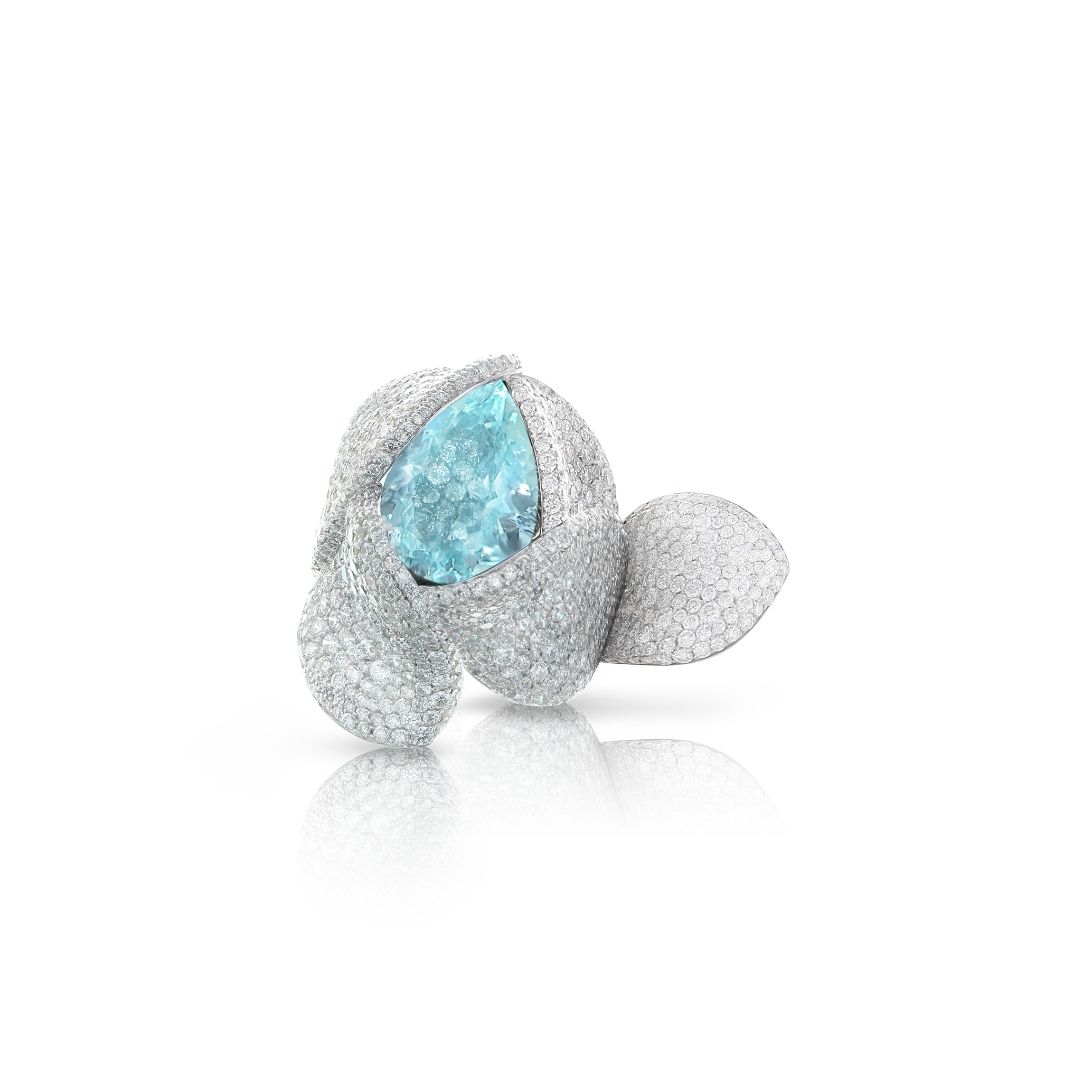 White gold ring with paraiba tourmaline and diamonds