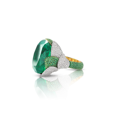 White and yellow gold ring with emerald, emeralds pavé and diamonds