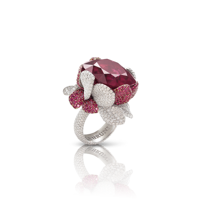 White gold ring with rubellite, rubies and diamonds