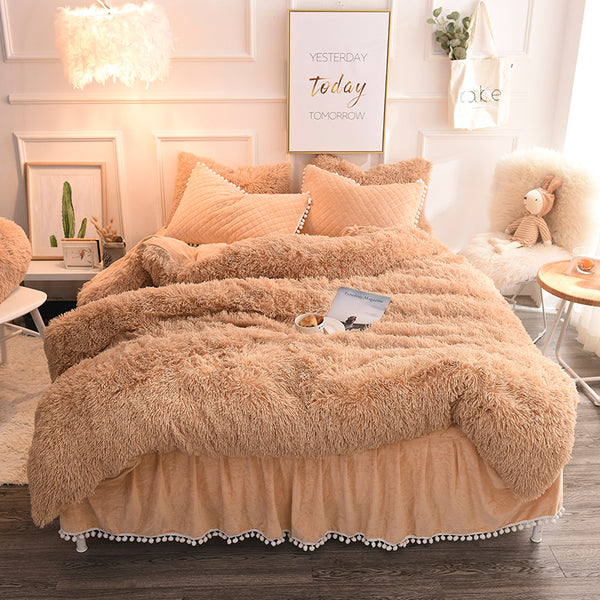 PomPom Fluffy Mink Fleece Bed Set - Camel