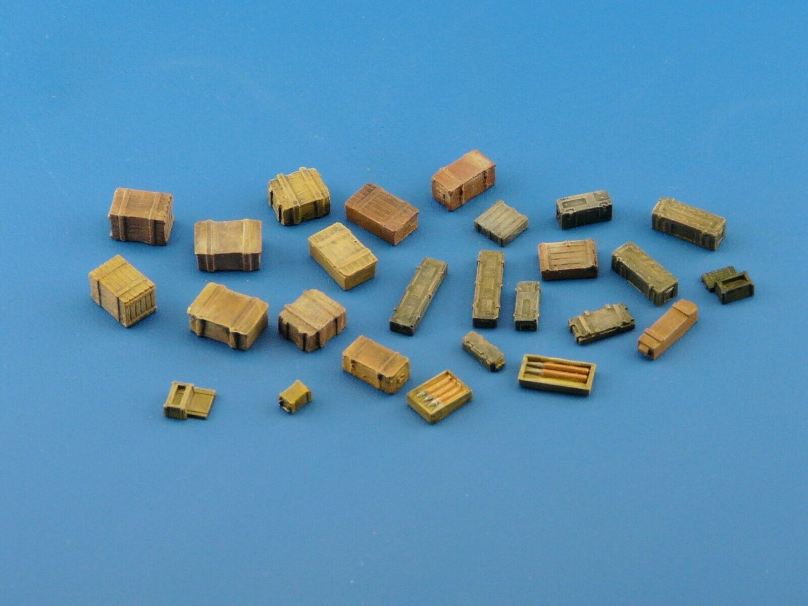 1/72  Crate and Boxes 33 Pieces Scale Modelling Resin Stowage Kit   B3 - redoguk