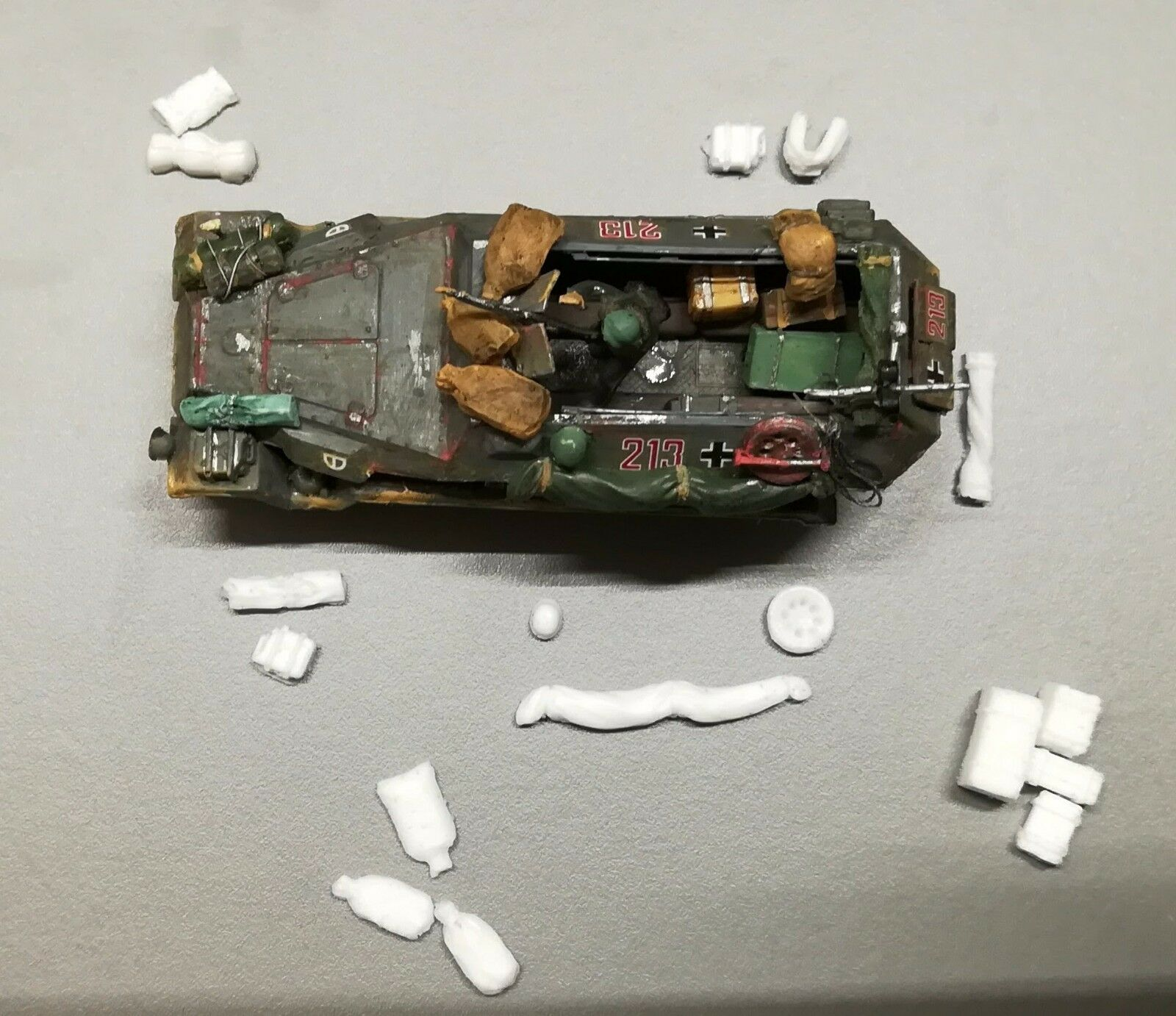 1:72 or 1:76 Sd.Kfz.251 Hanomag Tank Military Scale Model Stowage Kit Accessories - redoguk