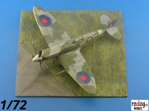 Redog 1/72 - WWII Diorama Display Airfield Base For Airplane Scale Models Kits - /d31