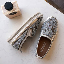 Load image into Gallery viewer, Women Chic Shining Star Rhinestone Slip-on Loafers