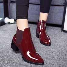 Load image into Gallery viewer, Women's New Patent Leather Pointed Low Heel Boots