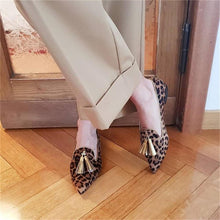 Load image into Gallery viewer, Women's Fashion Daily Tassel Pointed Toe Flats