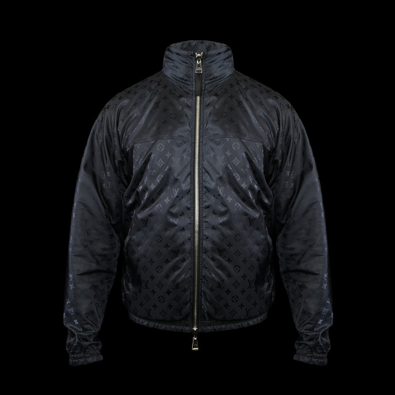 Louis Vuitton-Windbreaker-Pre Order Duration (3-5 Working Days) 2019 Release Colour: Black Navy Material: 100% Polymade LV monogram print Item rolls into a small bag-fabriqe.com