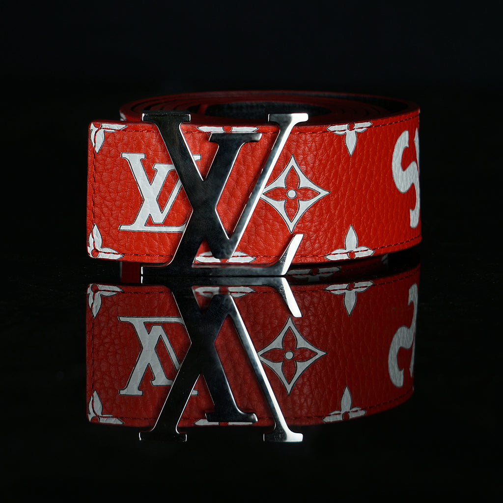 Louis Vuitton-Belt-Monogram canvas & calf leather strap Silver buckle with shiny finishing Iconic LV Initiales buckle-fabriqe.com