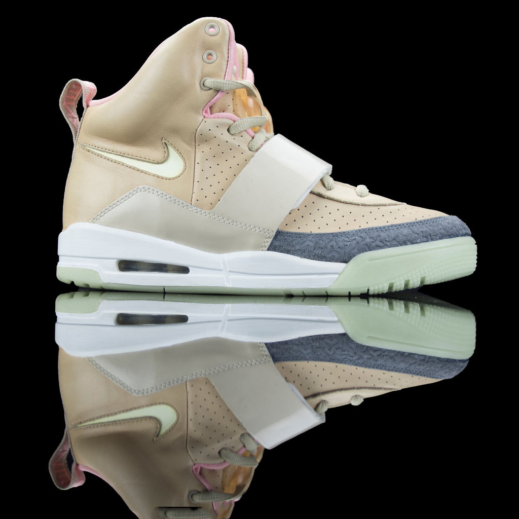 Nike-Air Yeezy 1-Product code: 366164-111 Colour:NET/NET Year of release: 2009-fabriqe.com